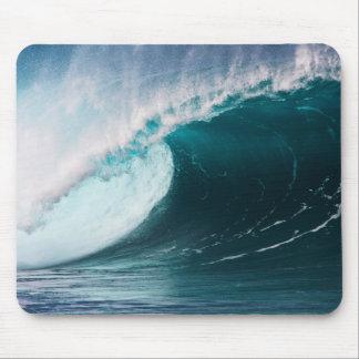 USA, Hawaii, Oahu, Large waves Mouse Mat