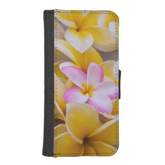 USA, Hawaii, Oahu, Plumeria flowers in bloom 1 iPhone SE/5/5s Wallet Case
