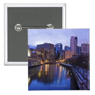 USA, Illinois, Chicago, City reflected in 15 Cm Square Badge