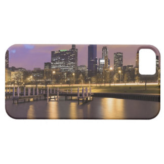 USA, Illinois, Chicago, City skyline and marina Barely There iPhone 5 Case