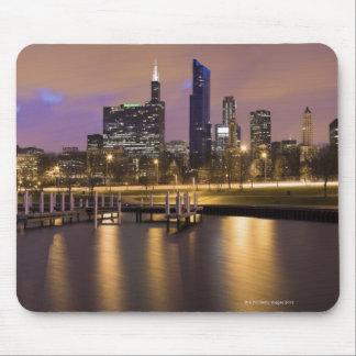 USA, Illinois, Chicago, City skyline and marina Mouse Mat