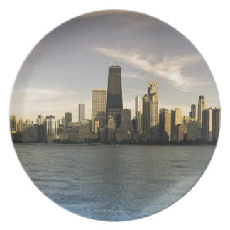 USA, Illinois, Chicago, City skyline over Lake 7 Plate
