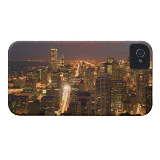 USA, Illinois, Chicago: Evening View of The Loop 2 iPhone 4 Case
