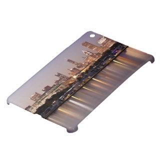 USA, Illinois, Chicago skyline at dusk iPad Mini Cover