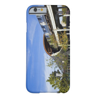 USA, Illinois, Chicago, Train passing Illinois Barely There iPhone 6 Case