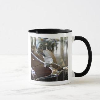 USA, Indiana, Auburn: Auburn, Cord, Duesenberg 9 Mug