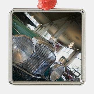 USA, Indiana, Auburn: Auburn, Cord, Duesenberg Christmas Ornament