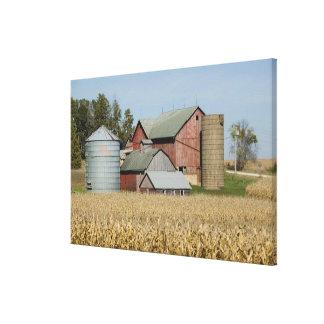 USA, IOWA, Froelich: Old farm Canvas Print