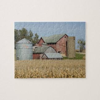 USA, IOWA, Froelich: Old farm Jigsaw Puzzle