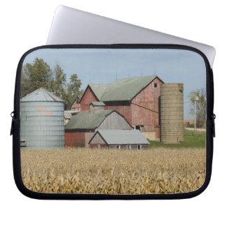 USA, IOWA, Froelich: Old farm Laptop Sleeve