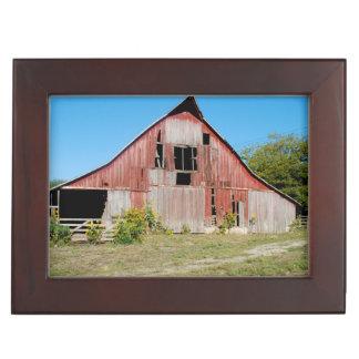 USA, Kansas, Old Red Barn Keepsake Box