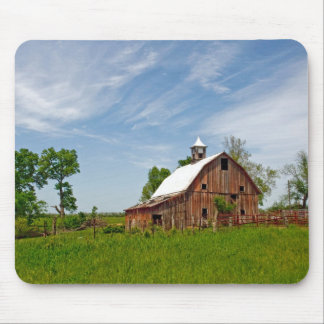 USA, Kansas. Old Red Barn Mouse Mat