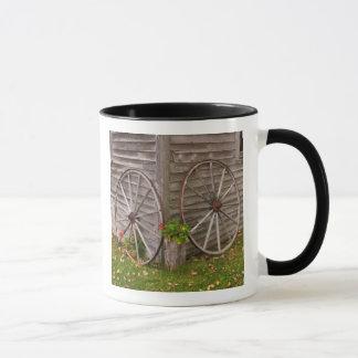 USA, Main. Wagon Wheels Mug