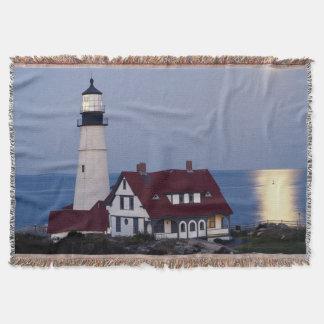 USA, Maine, Portland, Cape Elizabeth, Lighthouse Throw Blanket