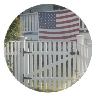 USA, Massachusettes, Gloucester: Patriotic Fence Party Plate
