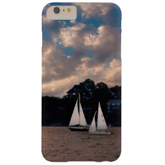 USA, Massachusetts. Sunset Sailing Barely There iPhone 6 Plus Case