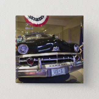 USA, Michigan, Dearborn: The Henry Ford Museum, 2 15 Cm Square Badge