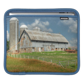 USA, Minnesota Barn And Silo iPad Sleeve