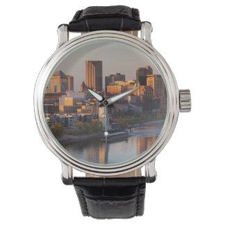 USA, Minnesota, Minneapolis, St. Paul 3 Watch