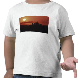 USA, Mississippi, disking cotton field Tees
