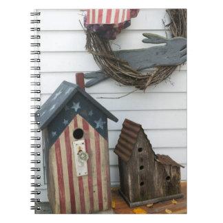 USA, Missouri, Herman: Patriotic Birdhouses, Notebooks