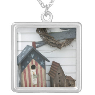 USA, Missouri, Herman: Patriotic Birdhouses, Silver Plated Necklace