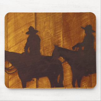 USA, Montana, Boulder River Cowboys on horses Mouse Pad