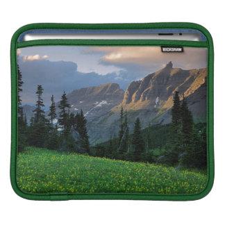 USA, Montana, Glacier National Park, Logan Pass iPad Sleeve