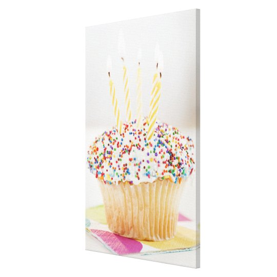 USA, New Jersey, Jersey City, Cupcake with Canvas Print