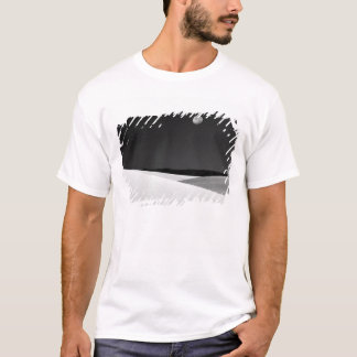 USA, New Mexico, White Sands National Monument. T-Shirt