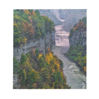 USA, New York, Letchworth State Park. River and Notepad