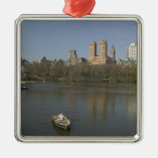 USA, New York, New York City, Manhattan: 17 Christmas Ornament