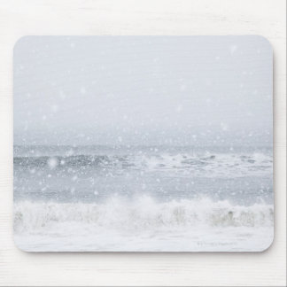 USA, New York State, Rockaway Beach, snow storm Mouse Pad