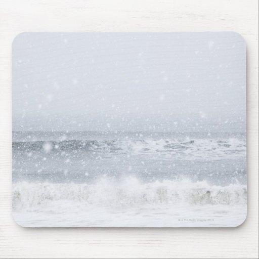 USA, New York State, Rockaway Beach, snow storm Mouse Pads