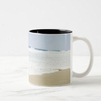 USA, North Carolina, Outer Banks, Kill Devil 4 Two-Tone Coffee Mug