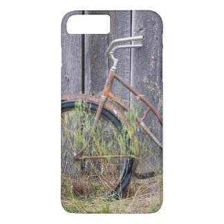 USA, Oregon, Bend. A dilapidated old bike iPhone 8 Plus/7 Plus Case