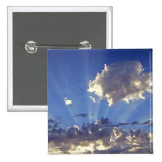 USA, Oregon, Bend. Sun rays fill the sky near 15 Cm Square Badge