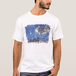 USA, Oregon, Bend. Sun rays fill the sky near T-Shirt