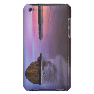 USA, Oregon, Clatsop County, Haystack Rock and Case-Mate iPod Touch Case