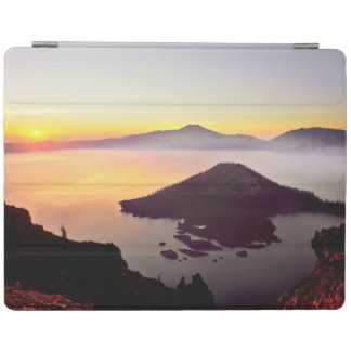 USA, Oregon, Crater Lake National Park 3 iPad Cover