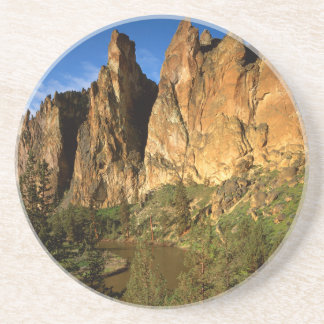 USA, Oregon, Granite Cliffs At Smith Rock State Coaster