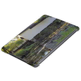 USA, Oregon. Harris covered bridge over Marys Cover For iPad Air