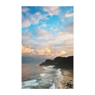 USA, Oregon. Heceta Head Lighthouse in morning Canvas Print