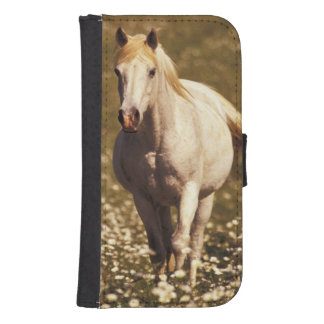 USA, Oregon. Horse in a field of daisies Samsung S4 Wallet Case
