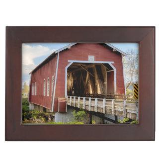 USA, Oregon, Scio, Shimanek Bridge Keepsake Box