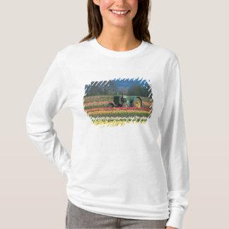 USA, Oregon, Woodburn, Wooden Shoe Tulip 2 T-Shirt