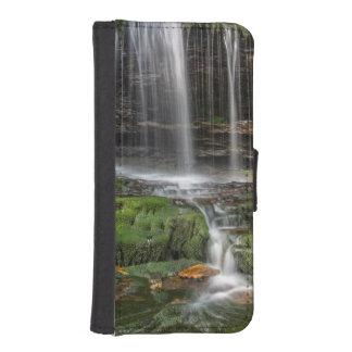 USA, Pennsylvania, Benton. Delicate Waterfall iPhone SE/5/5s Wallet Case