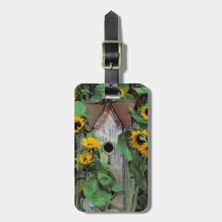 USA, Pennsylvania. Birdhouse and garden Luggage Tag