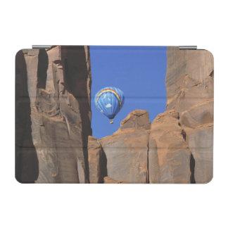 USA, Utah, Monument Valley. A rainbow hot-air iPad Mini Cover