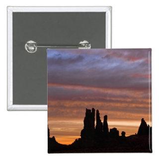 USA, Utah, Monument Valley National Park. 2 15 Cm Square Badge